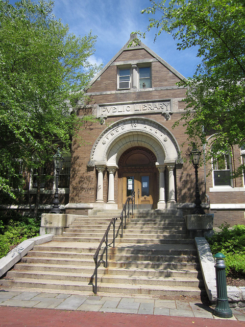 Amesbury, MA Public Library – Photo by Doug Kerr