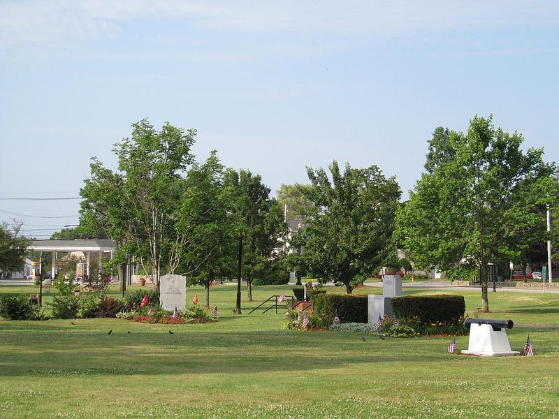 Burlington, MA Town Commons – Real Estate Guide
