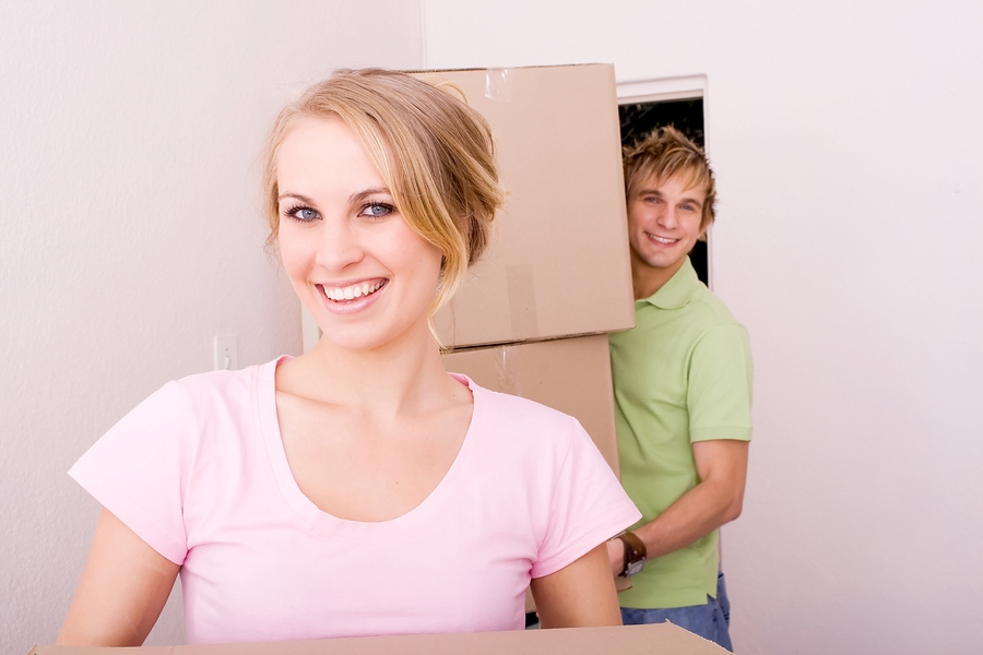 woman-pink-shirt-new-home