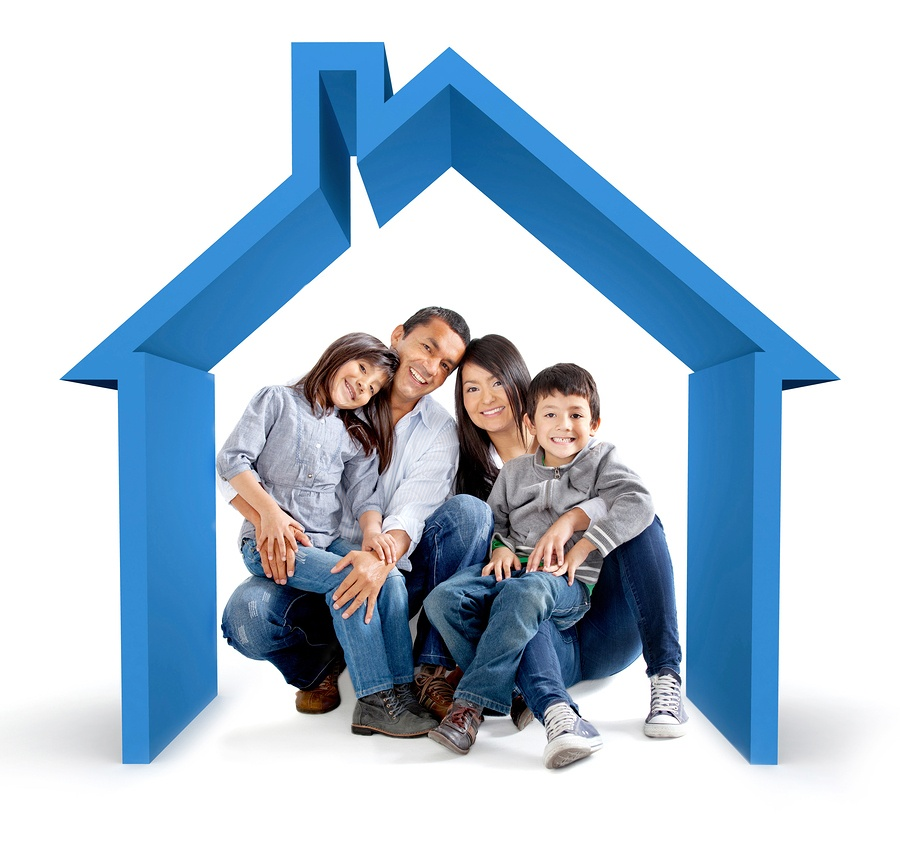 happy homebuyers that used a real estate buyer agent to buy their home